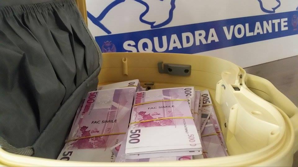 euro finti  VICENZA - Tedesco truffato con soldi finti, perde 50 mila euro | TViWeb