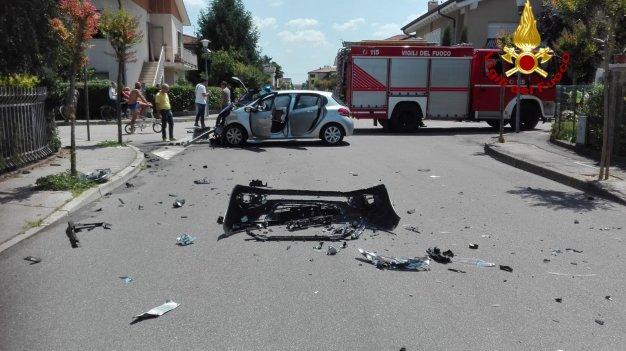 POJANA M. – Scontro tra due auto: due donne ferite
